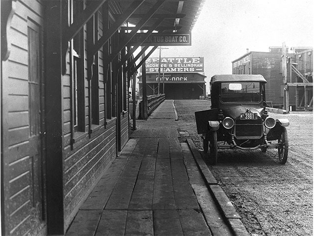 A street level view of City Dock looking west in 1917, a year after the infamous Everett Massacre that took place there.    Photo courtesy of Everett Public Library.