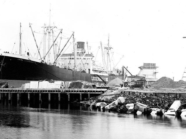 Ship docked at Puget Sound Pulp and Timber Company, March 9, 1930.  Photo courtesy of Everett Public Library, photographer J.A. Juleen.