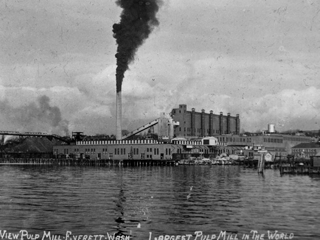 A water view of the Soundview Paper Company, the largest pulp mill in the world during its operation, circa mid-1930s. Photo courtesy of Port of Everett.